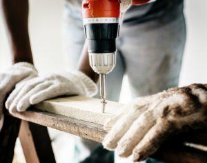 builder-carpenter-close-up